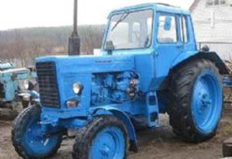 34 yaşlı kişi traktorun təkəri altına düşərək ölüb