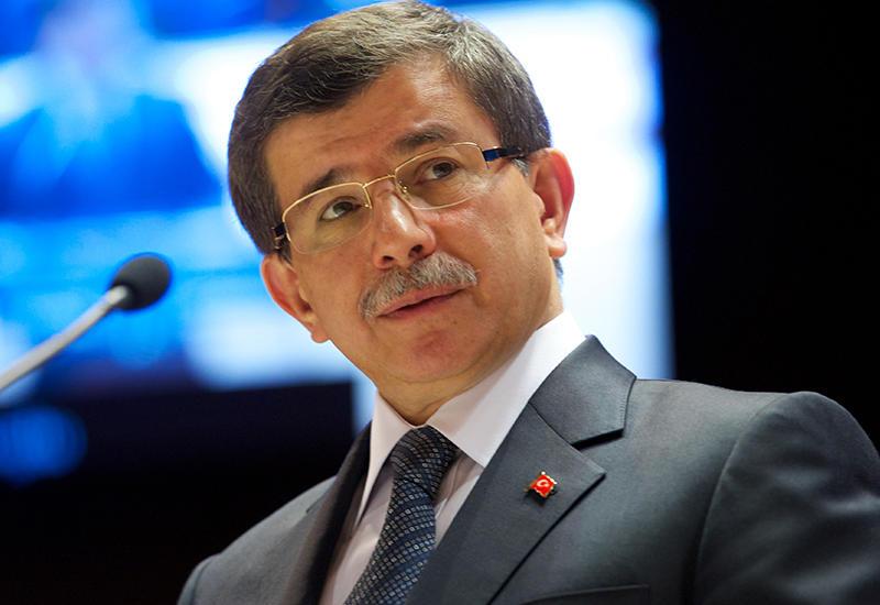 Давутоглу обещал найти виновных в убийстве курдского адвоката