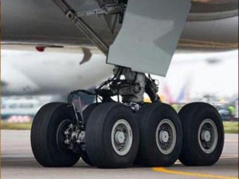 ВТюмени при взлёте уBoeing-737 отвалилось шасси