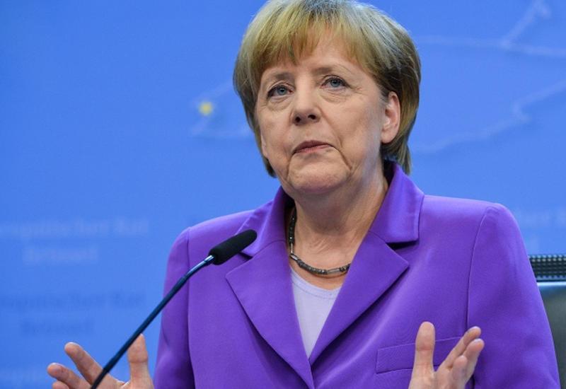 Меркель призвала оказать помощь Франции в борьбе с ИГ