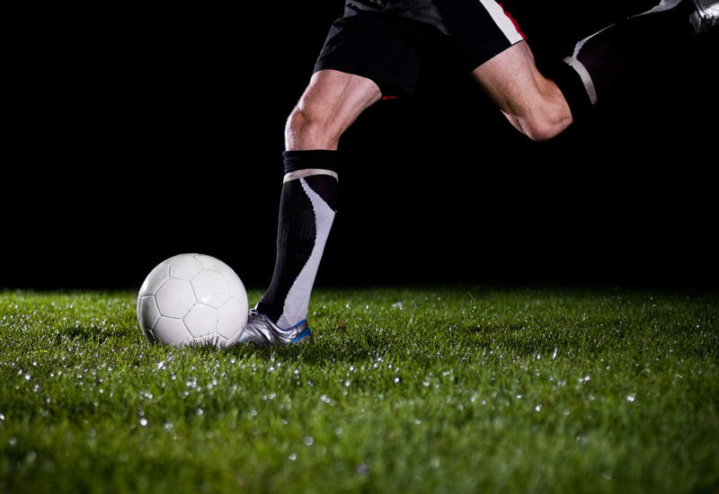 горожан картинки футболист бьющий по мячу интерьер