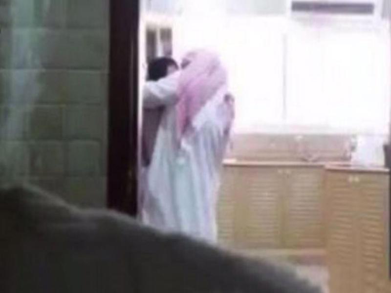 Пмуз поймал жену на измени видео