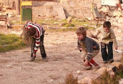 Российские депутаты помогают детям в Сирии