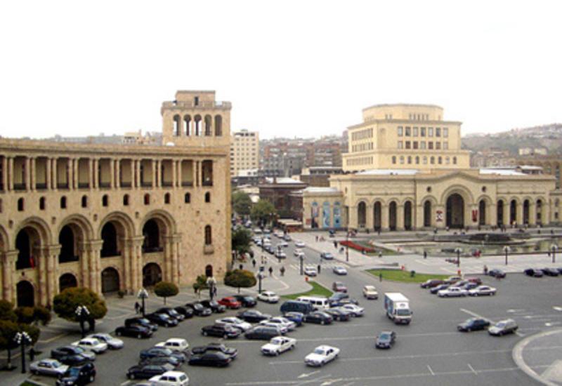 В Ереване отменили пресс-конференцию Кочаряна из-за акции протеста