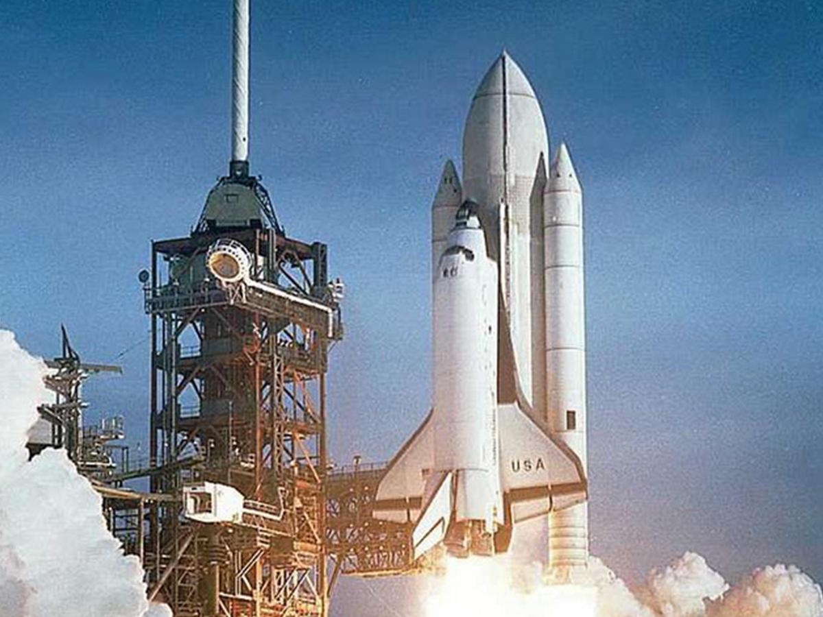 first rocket ship - 660×795
