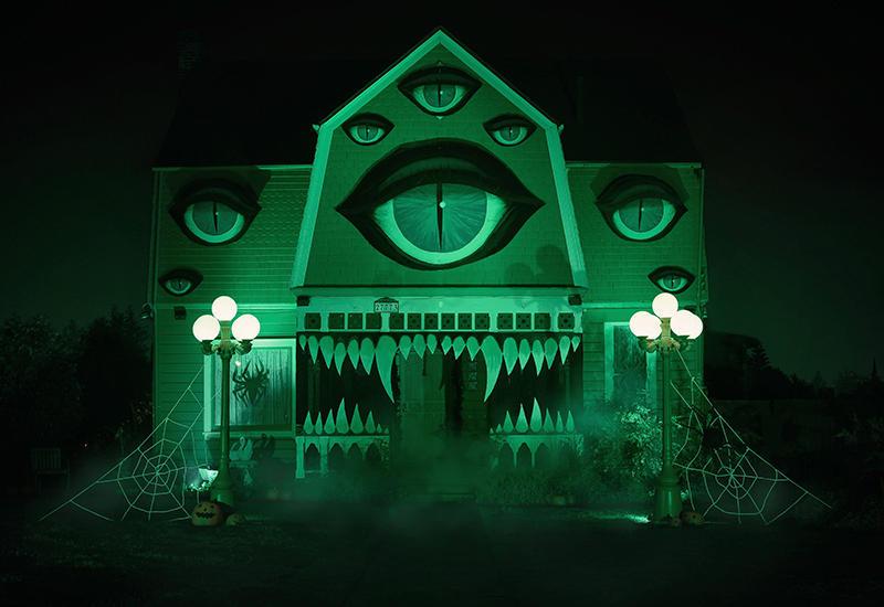 Вот во что превратила дом своих родителей девушка к Хэллоуину