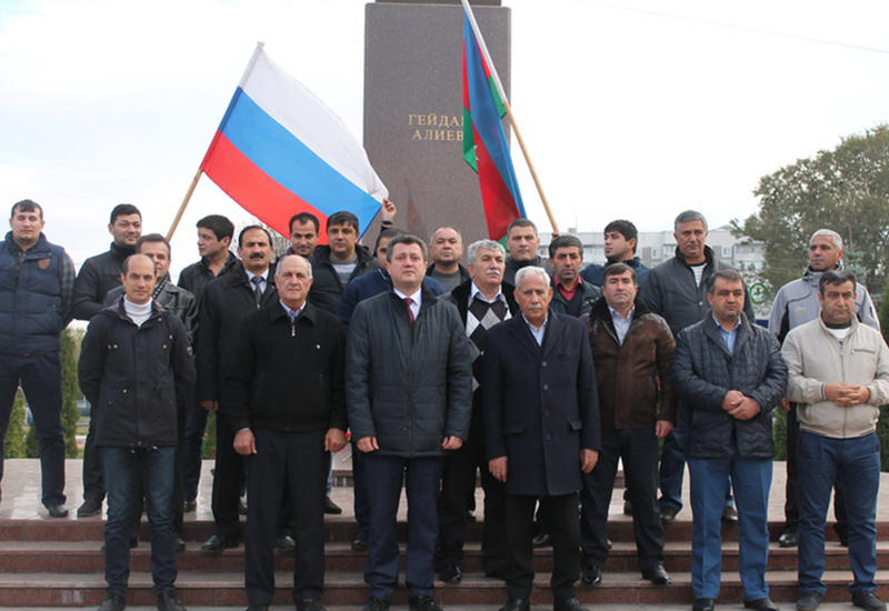 Азербайджанцы Ульяновска отметили День независимости