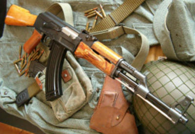 Солдат правительственной армии убил однополчан
