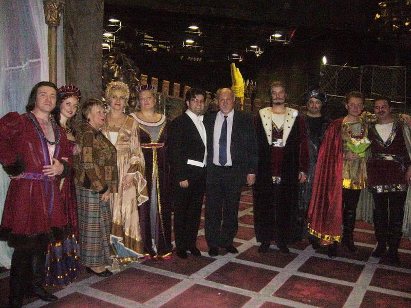 Белорусы стоя аплодировали азербайджанскому дирижеру