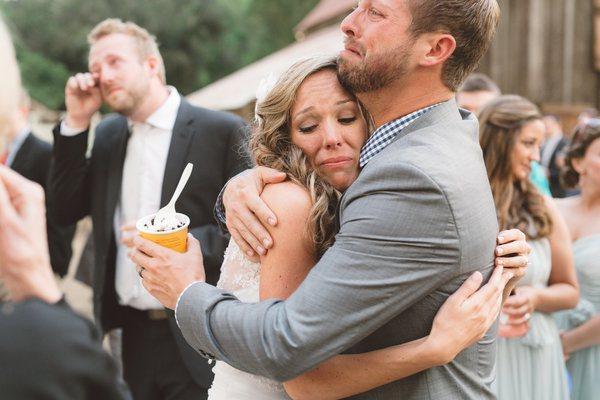 Эмоциональные свадебные моменты, от которых наворачиваются слезы ...