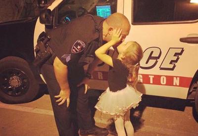 """Полицейскому сделали невероятный сюрприз <span class=""""color_red"""">- ФОТО</span>"""