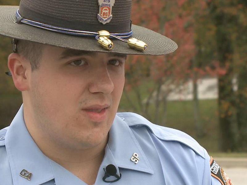Полицейский сделал невероятное для детей, родители которых погибли