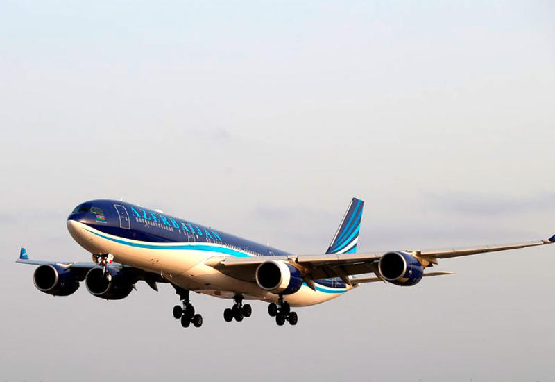 Сотрудники AZAL обнаружили в самолете тайник со смартфонами iPhone