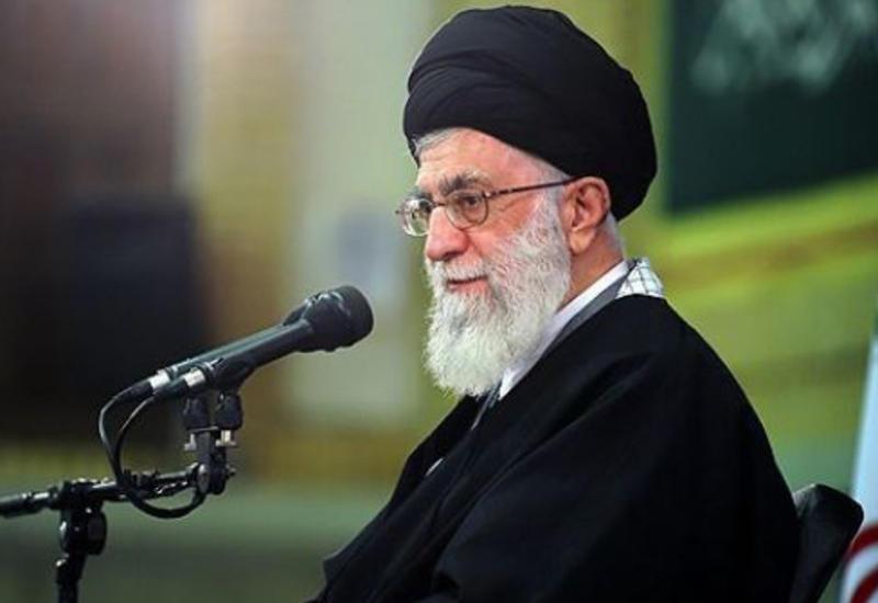 Верховный лидер Ирана раскритиковал президентов США и Франции