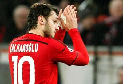 "Türk futbolçudan örnək addım <span class=""color_red"">- VİDEO</span>"