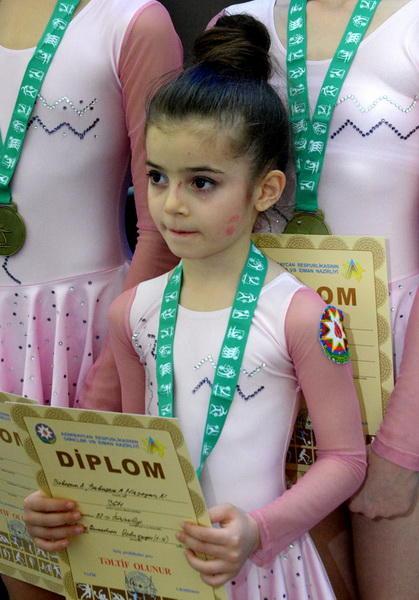 Победители первого дня Объединенного первенства Азербайджана по спортивной гимнастике и акробатике