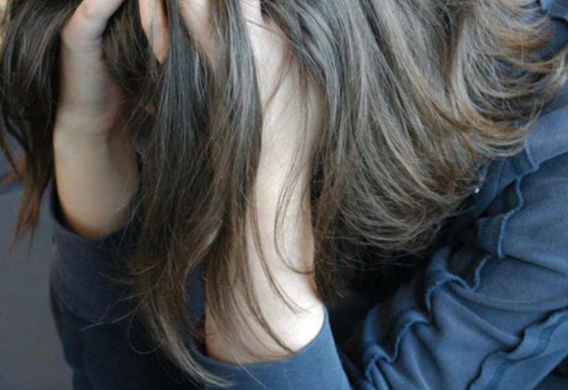 Трое парней изнасиловали школьницу