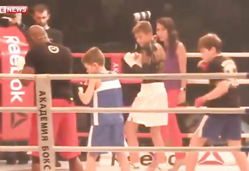 Известный боксер устроил шоу и попал Книгу рекордов Гиннесса