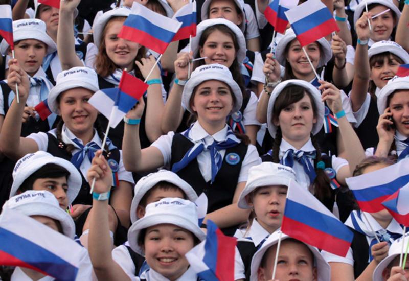 Россиянам предлагают оставить всего 3 праздничных дня