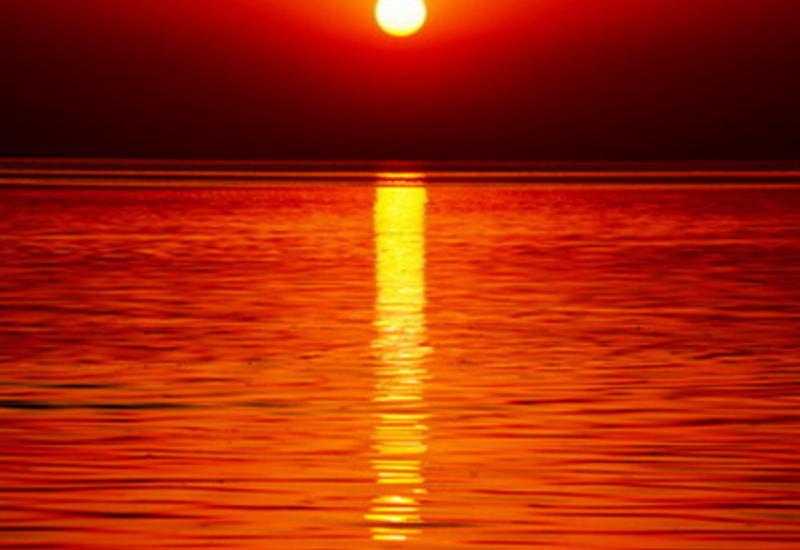 Потрясающий закат на Мингячевирском водохранилище