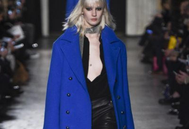 Готика Costume National в коллекции Fall/Winter 2016 на Milan Fashion Week