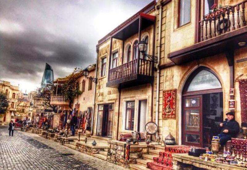 На Новруз в Азербайджан хлынуло еще больше туристов