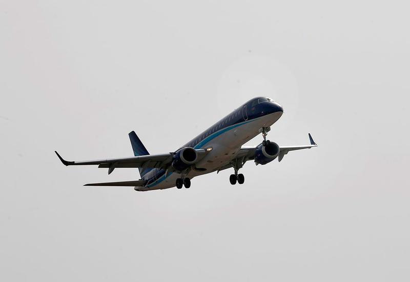 """Самолет из Баку чуть не столкнулся с другим самолетом над Москвой? <span class=""""color_red""""> - ОТВЕЧАЕТ AZAL</span>"""