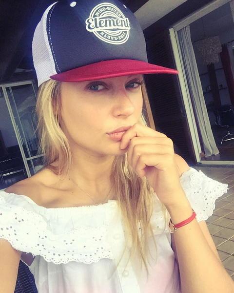 Наталья рудова в кепке фото