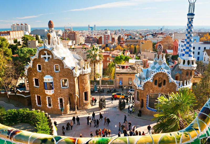 Число посетивших Испанию туристов упадет до самого низкого показателя за полвека