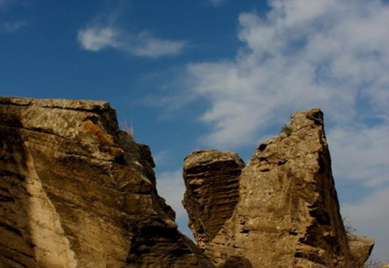 Путешествие в древность - о чем расскажут камни Гобустана