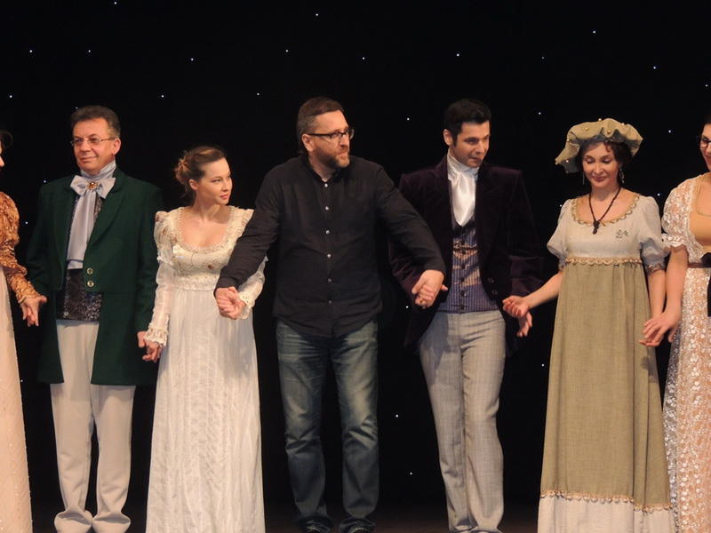 Зрители Русдрамы пообщались с героями знаменитого дамского романа