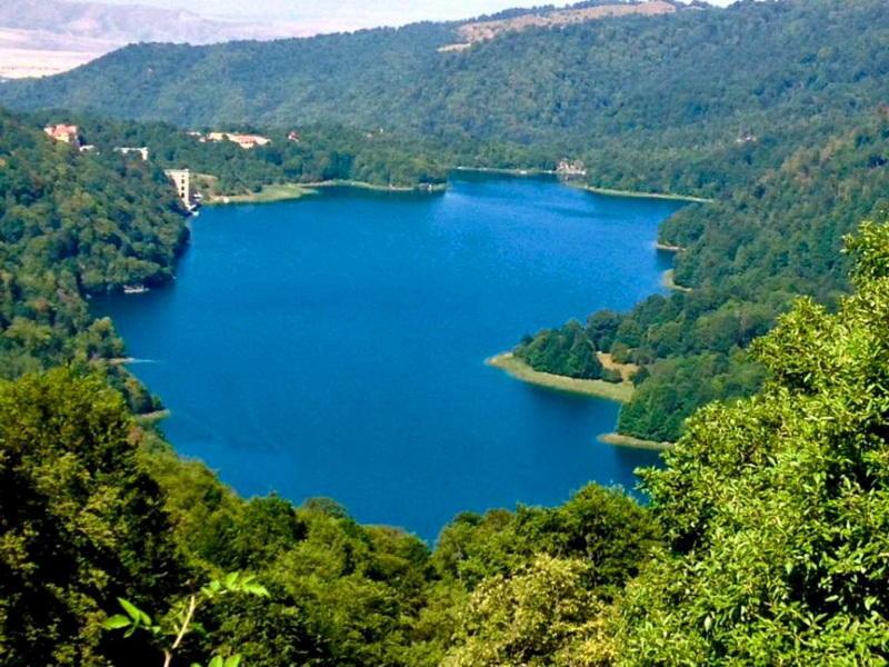 Чудо-озеро в Азербайджане: восхитительный Гёйгель - ФОТО