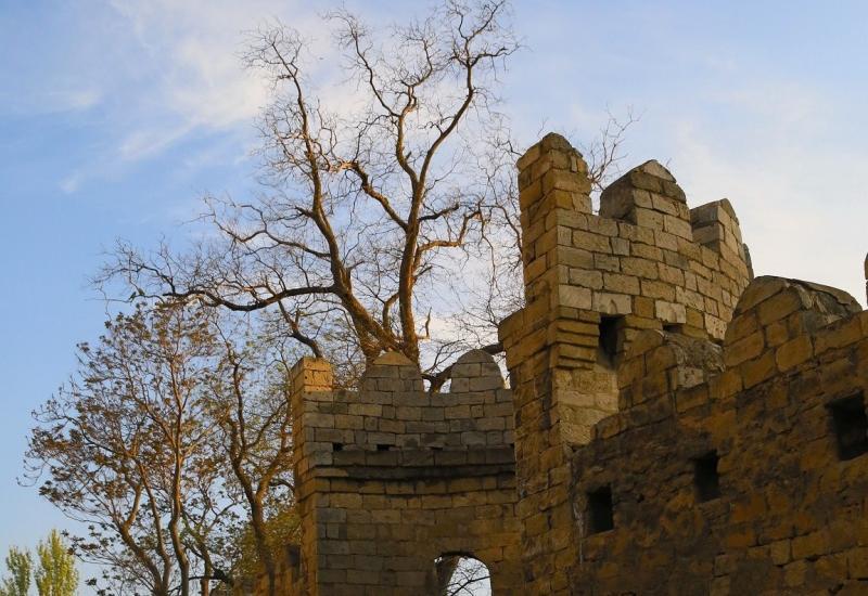 Крепость, хранящая азербайджанскую столицу