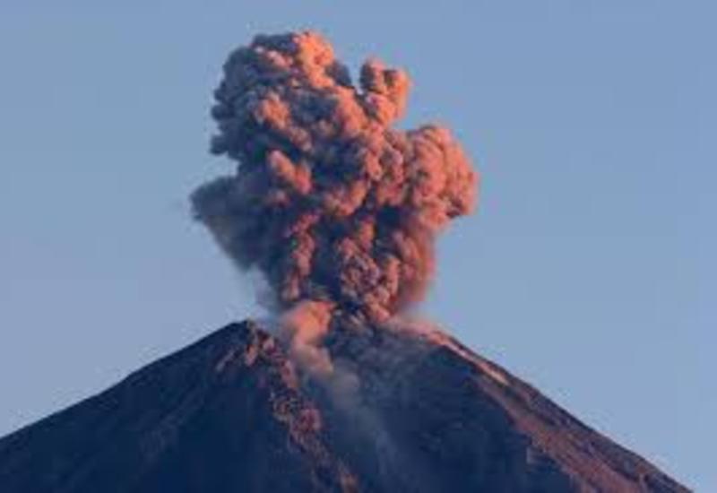 Поисковые работы около вулкана в Гватемале остановлены из-за опасности