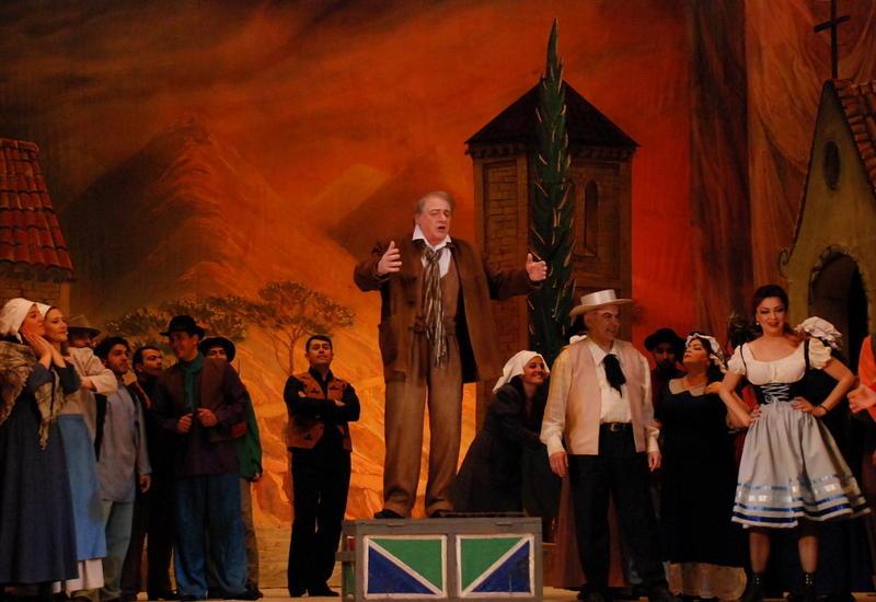 """Смех сквозь слезы: """"Паяцы"""" на сцене Театра оперы и балета"""