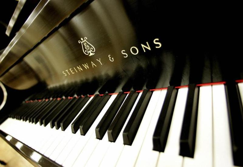 Азербайджанскому Театру оперы и балета подарили лучший в мире рояль