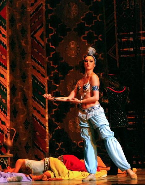 Царственное прощание Камиллы Гусейновой со сценой