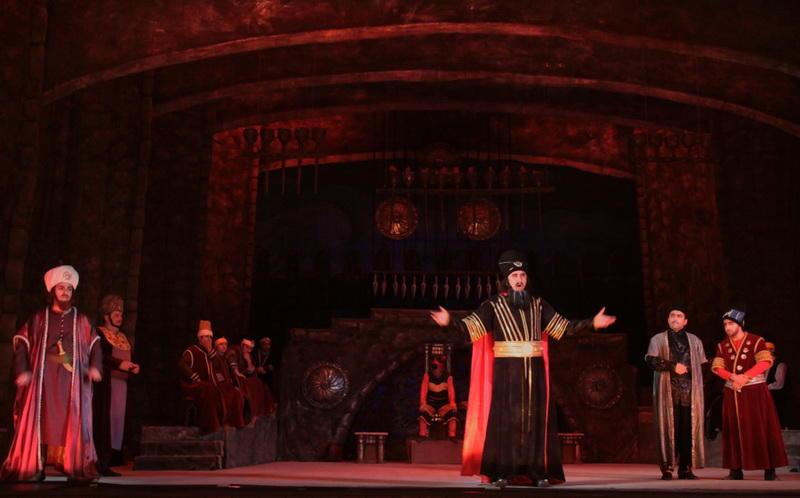 "Легендарный ""Кероглу"" на сцене Театра оперы и балета"