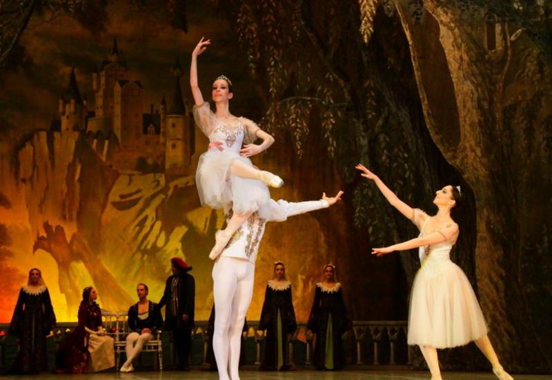 Черное и белое на сцене Театра оперы и балета