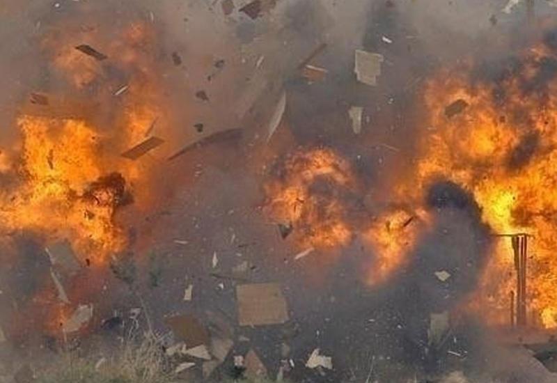 В Баку в жилом доме произошел взрыв