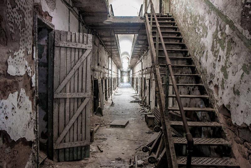 Восточная государственная тюрьма, ФиладельфияМесто известно не только своей архитектурой, но и бывшими