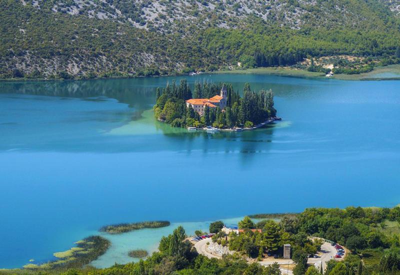 Волшебная красота самых крошечных населенных островов мира