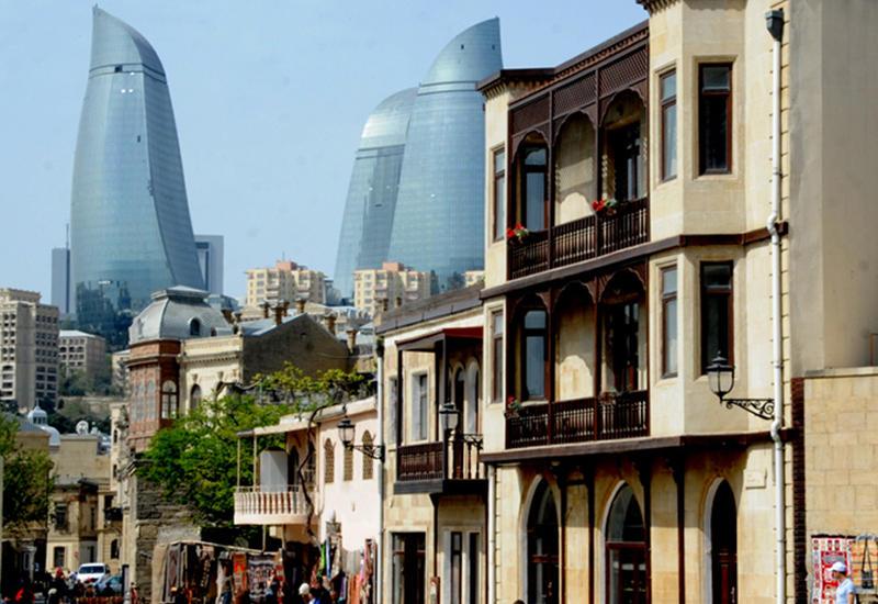 Баку вошел в топ-5 городов, популярных для поездок с детьми