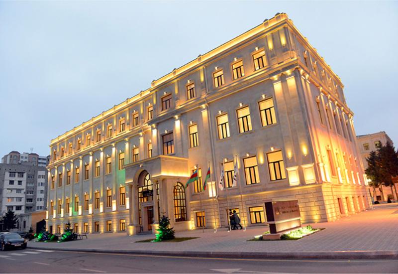 В Бакинской высшей школе нефти отметили День независимости