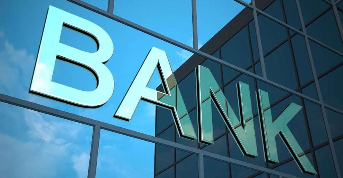 Banklar ölüləri də soyur