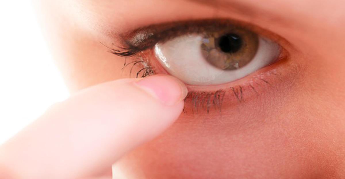 парфюмерной почему чешется в уголках глаз правильно