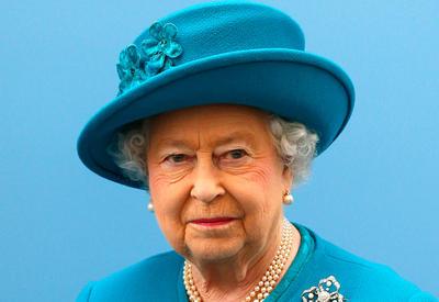Королева Великобритании не собирается отрекаться от престола