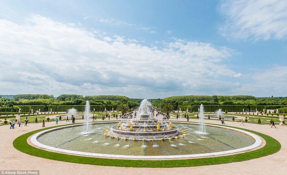Дворцово-парковый ансамбль Версаль