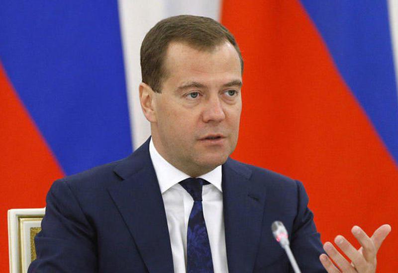 Дмитрий Медведев поздравил Президента Ильхама Алиева