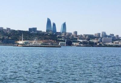 """Иностранные туристы в восхищении от великолепия Бакинской бухты <span class=""""color_red"""">- РЕПОРТАЖ - ФОТО</span>"""